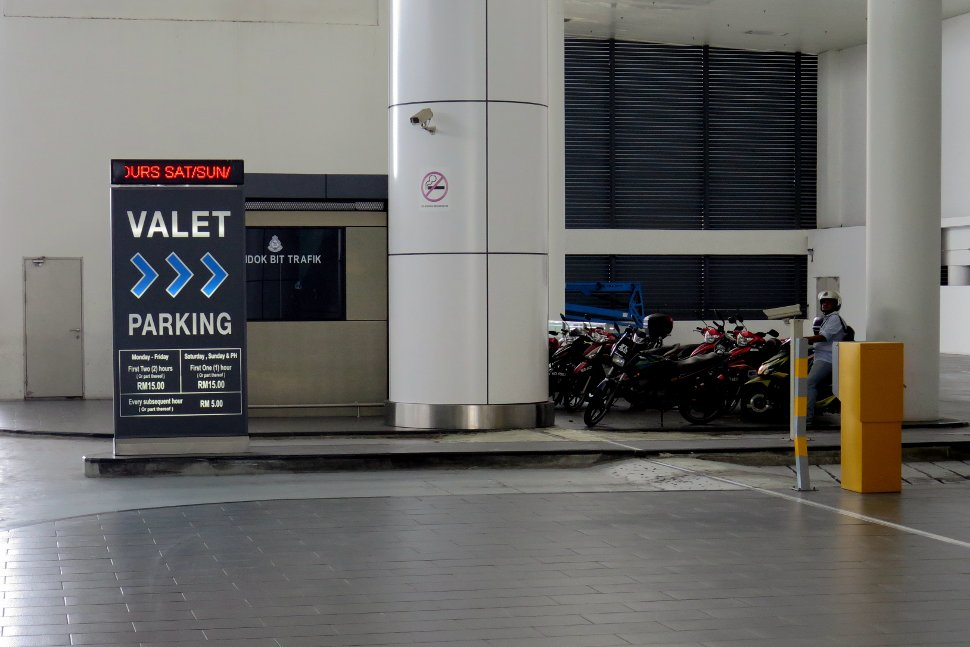 Valet parking available at Departure drop off area