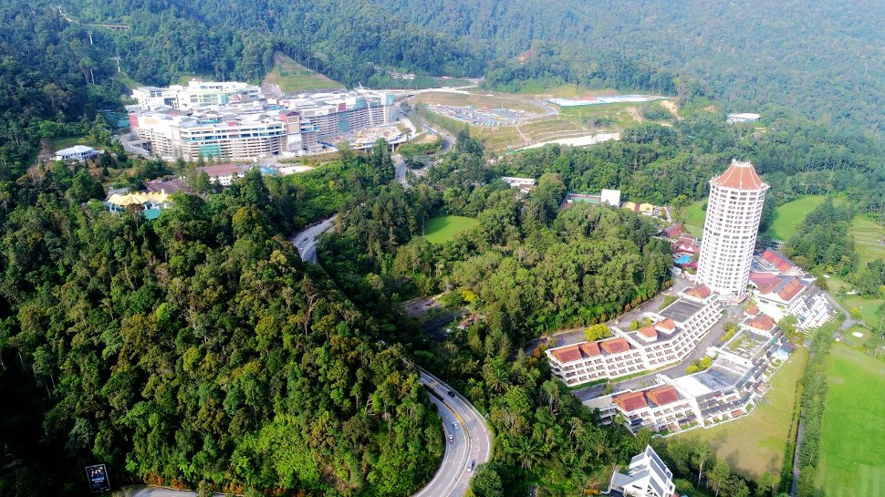 Aerial view of Genting Premium Outlets and Awana Hotel