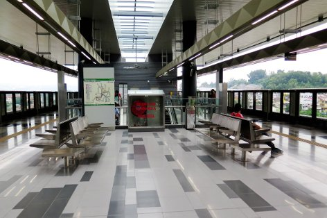 Boarding platform at Taman Suntex station