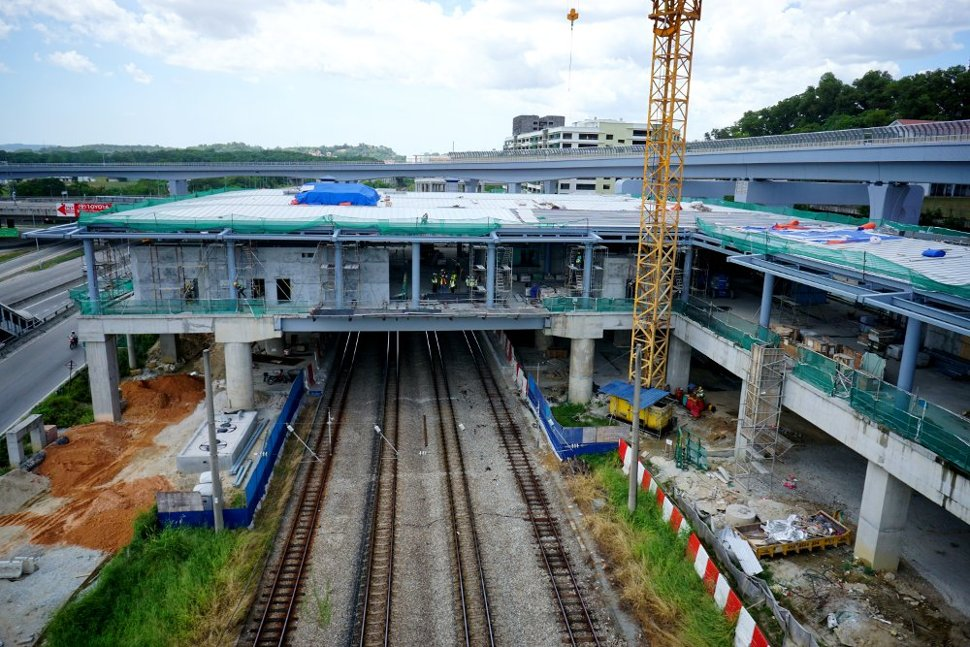 Construction at the concourse level of the Sungai Buloh Station in progress. (Feb 2016)