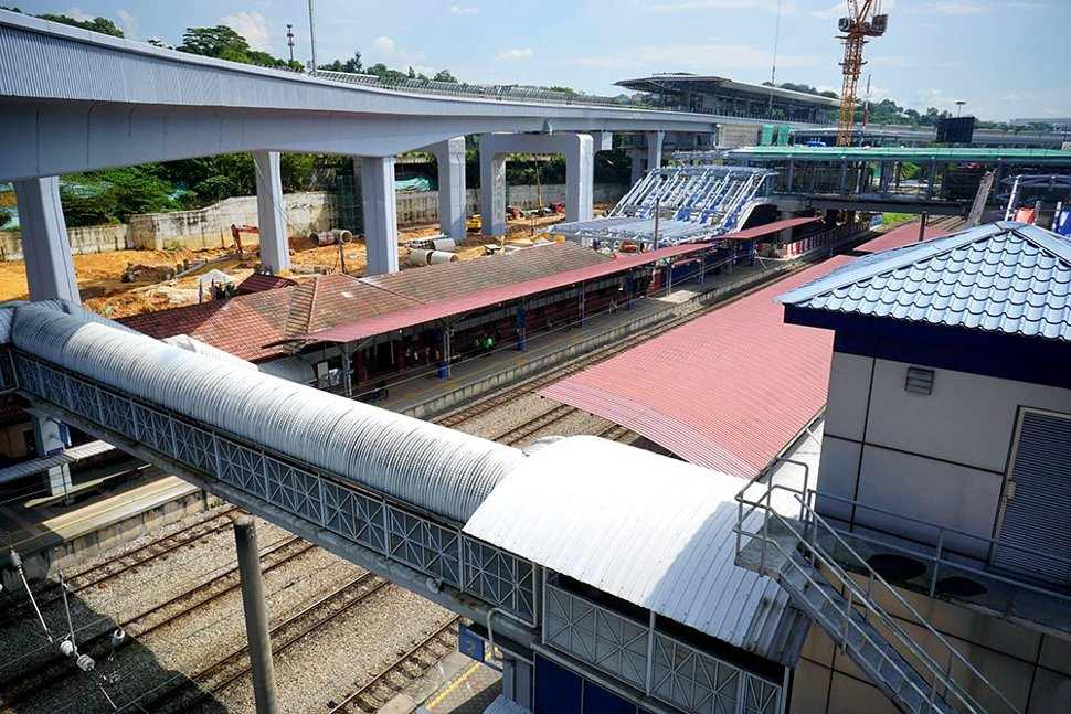 The view from the Sungai Buloh KTM Station of the common concourse level being constructed. (Jan 2016)