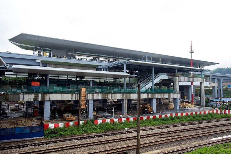 The MRT Sungai Buloh Station which is located next to the KTM train tracks. (May 2016)