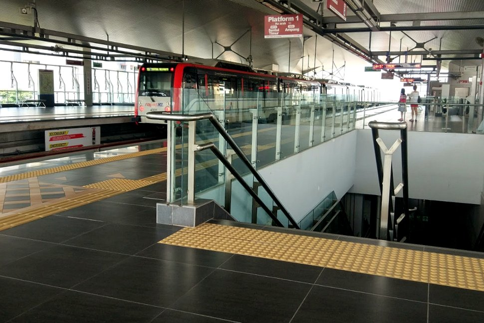 Access to the boarding level at Muhibbah LRT station