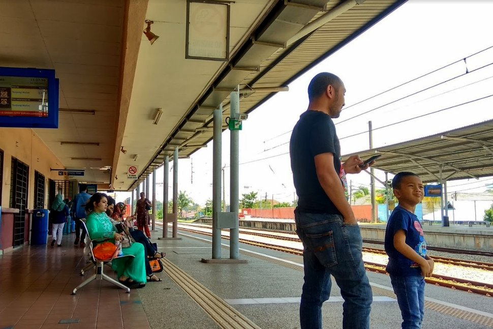Passengers waiting at the boarding platform