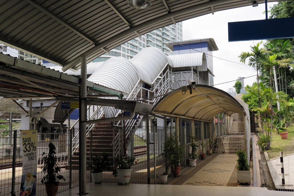 Covered walkway to the station